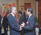 巴斯夫大中华区总裁与《上海化工》杂志(中国)理事会执行副理事长亲切交谈